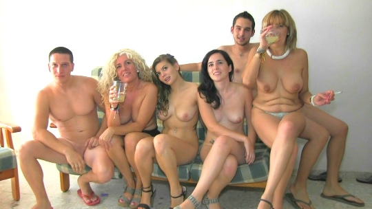 Mujer Soltera Busca 137815